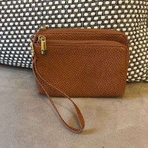 Wristlet - light brown basket weave